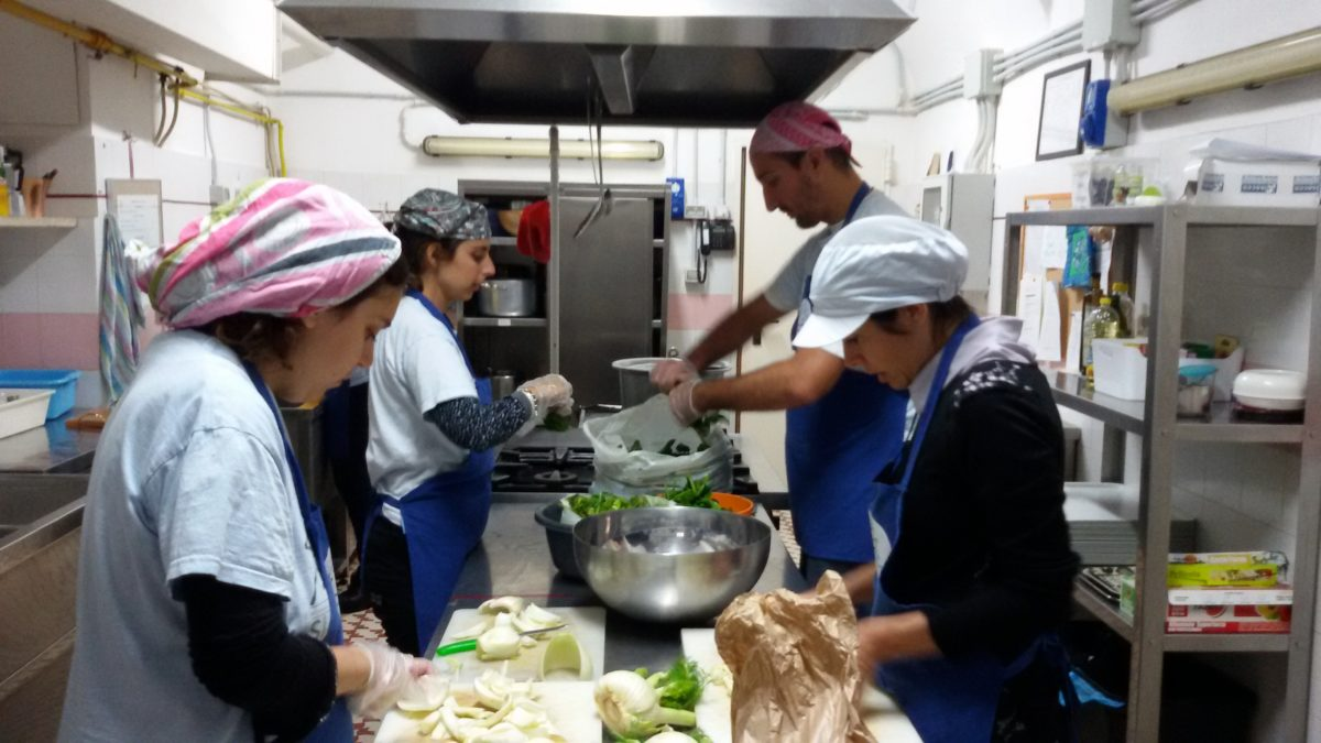 Club itaca vivere bene e lavorare anche se affetti da - Lavorare in cucina ...