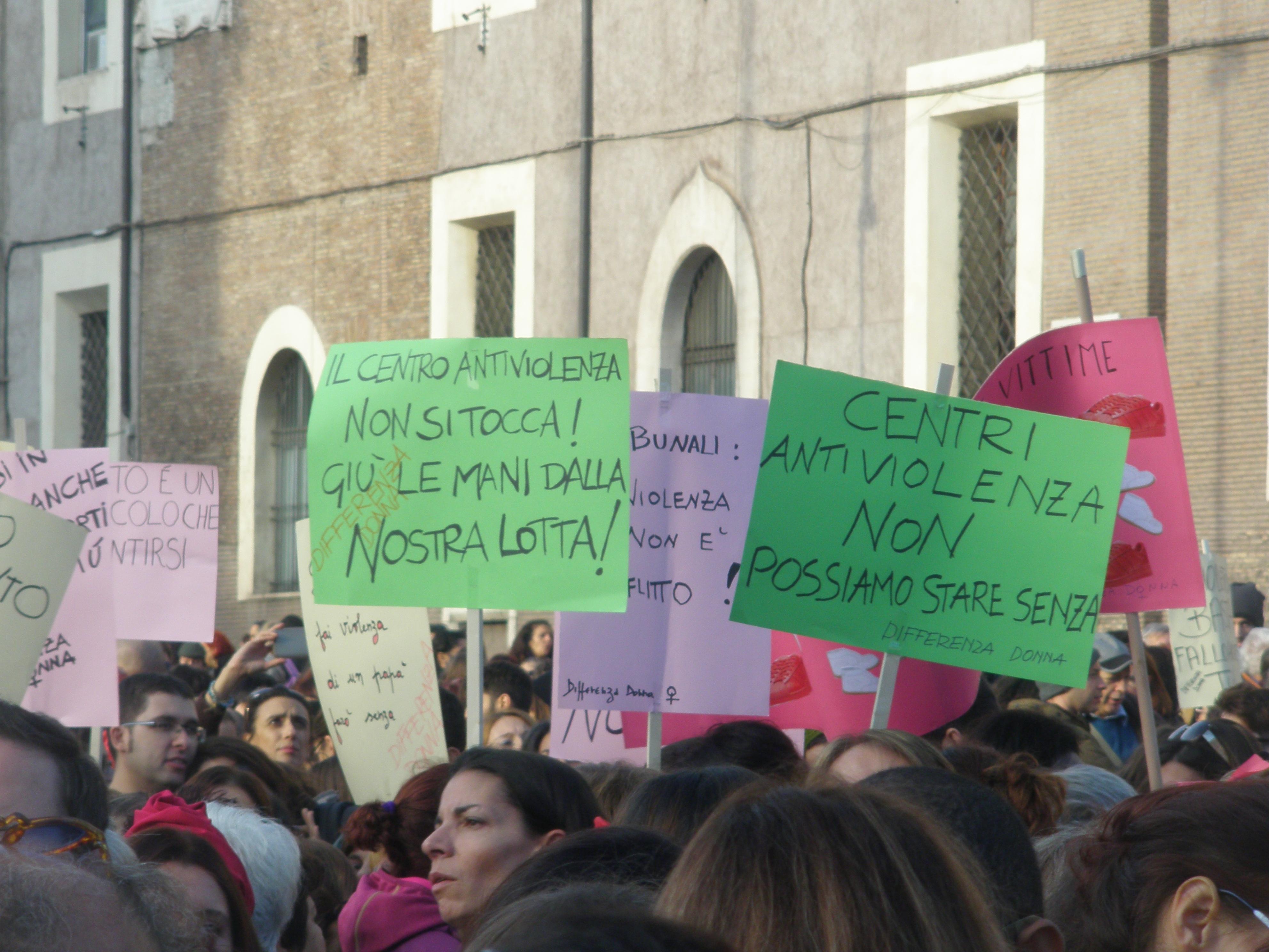 Violenza sulle donne c tutti i giorni non solo se vende - Diva e donne giornale ...