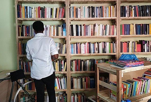 la Casa dei Libri Senza Prezzo